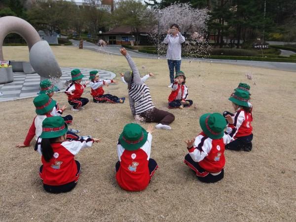유아숲 놀이체험 사진